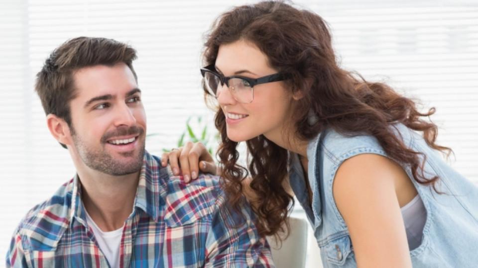 Флиртът с колега заздравява брака
