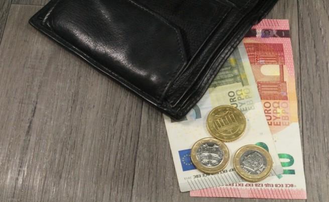 Гърция трябва да преструктурира дълга си
