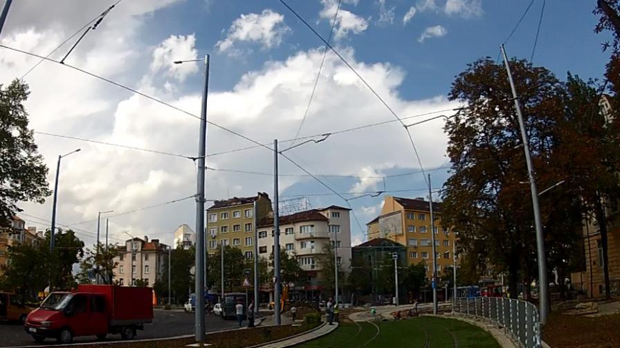 Отворено е движението около Руски паметник в София