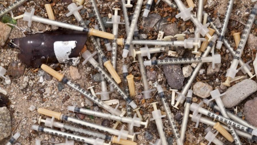 Да се боцкаш законно с хероин в София... Възможно ли е