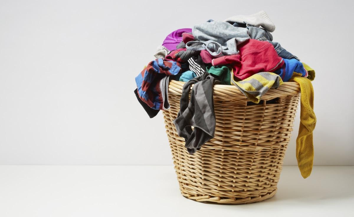 """""""Мога да изпера дрехите си със сапун"""". Не, не можете. Поне в днешно време не се препоръчва, защото дрехите са направени от различни материали, тъкани, които може да са деликатни - съответно има подходящи перилни препарати, които няма да развалят дрехите ви."""