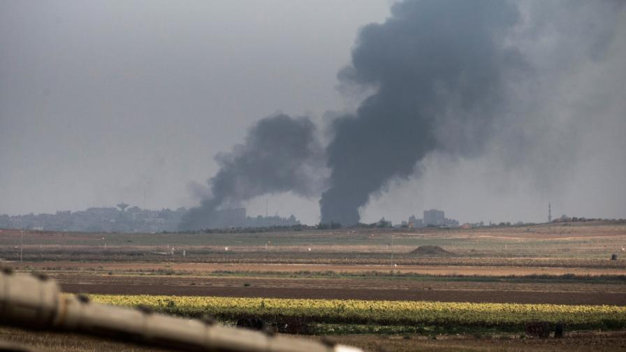 """Израел и """"Хамас"""" си размениха вздушни удари"""