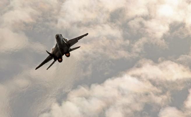 Франция започва разузнавателни полети над бази на