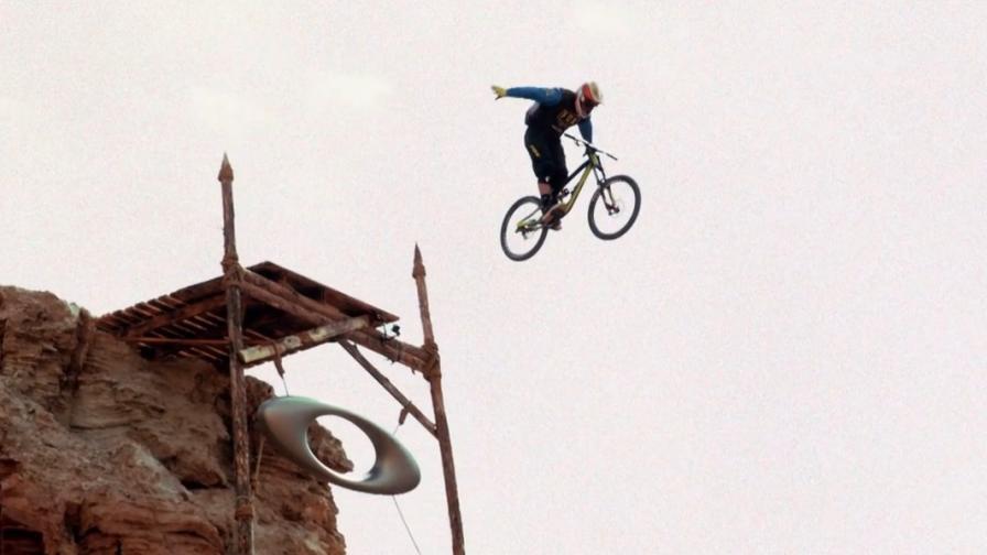 Вълнуващи изпълнения с колела за планинско колоездене