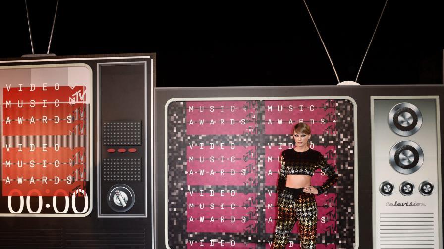 Тейлър Суифт доминира на видео музикалните награди на MTV