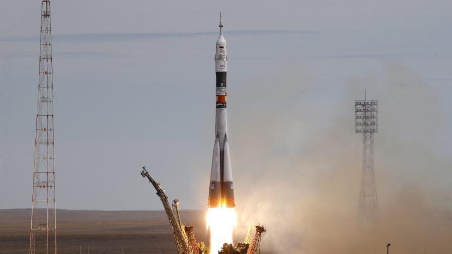 """""""Съюз"""" потегли към МКС с първия датски астронавт"""