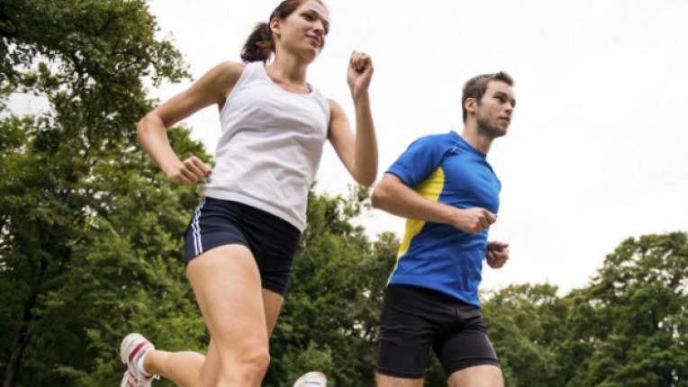 мъж жена бягане