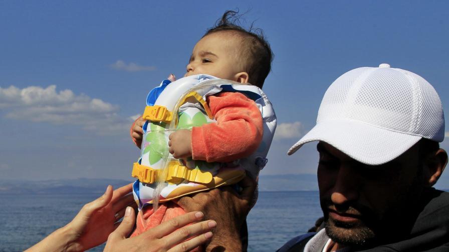 34 мигранти са се удавили при преобръщане на лодка край гръцкия остров Фармакониси