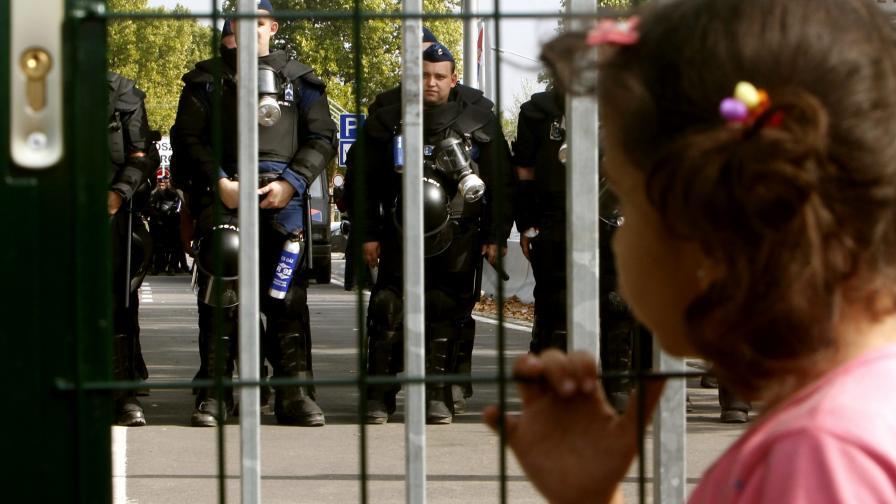 В Турция: Сирийка заплаши да убие детето си