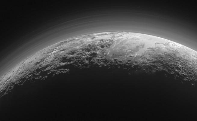 Видео на НАСА показва планините на Плутон отблизо
