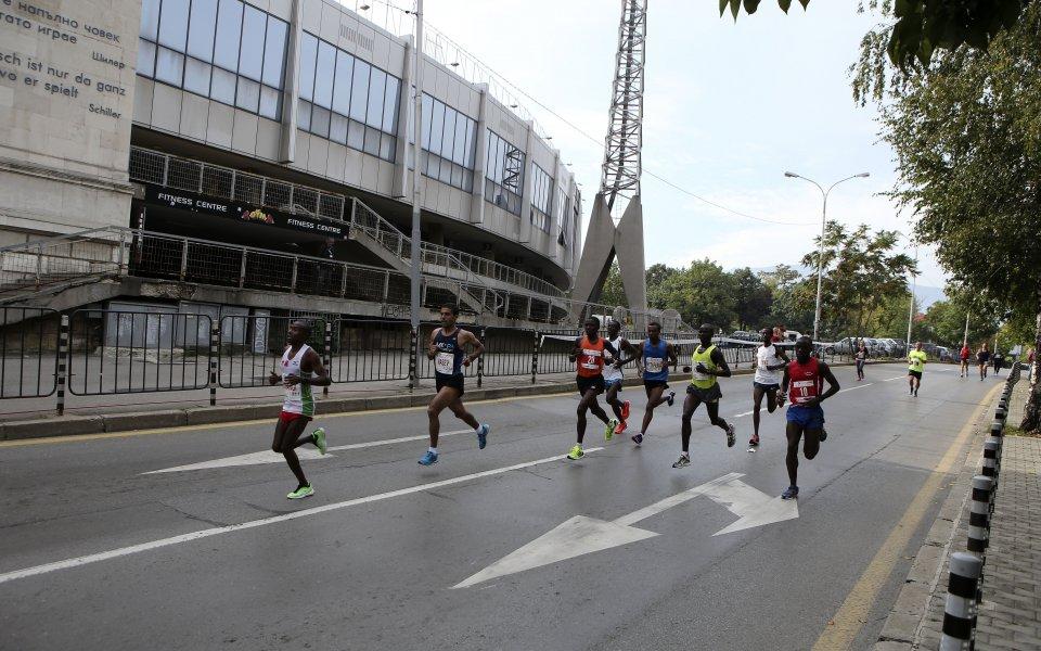 Столичният маратон и със скоростна отсечка, Йордан Йовчев повежда баскетболисти и футболисти