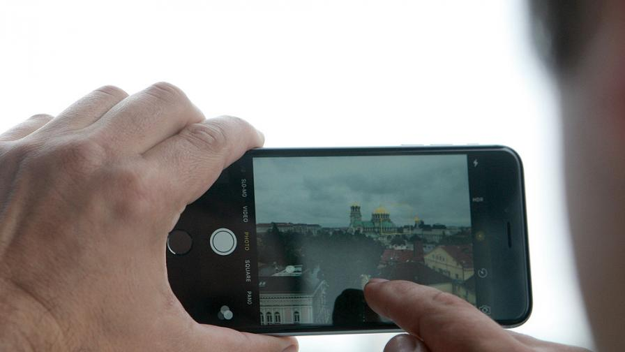 Франция започва проверка на Apple заради бавните iPhone-и
