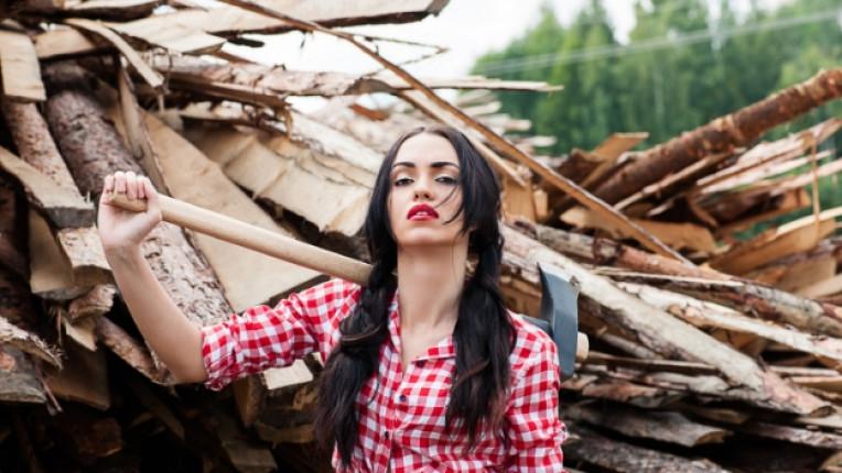 жена брадва ферма дърва