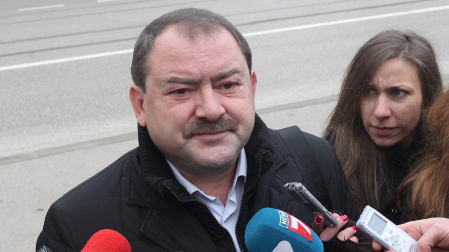 Осъдиха Пенгезов на 1 година