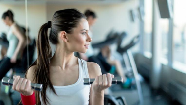 жена фитнес