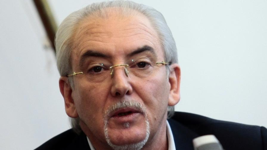 Местан: ДПС се саморазправя чрез почетния си председател