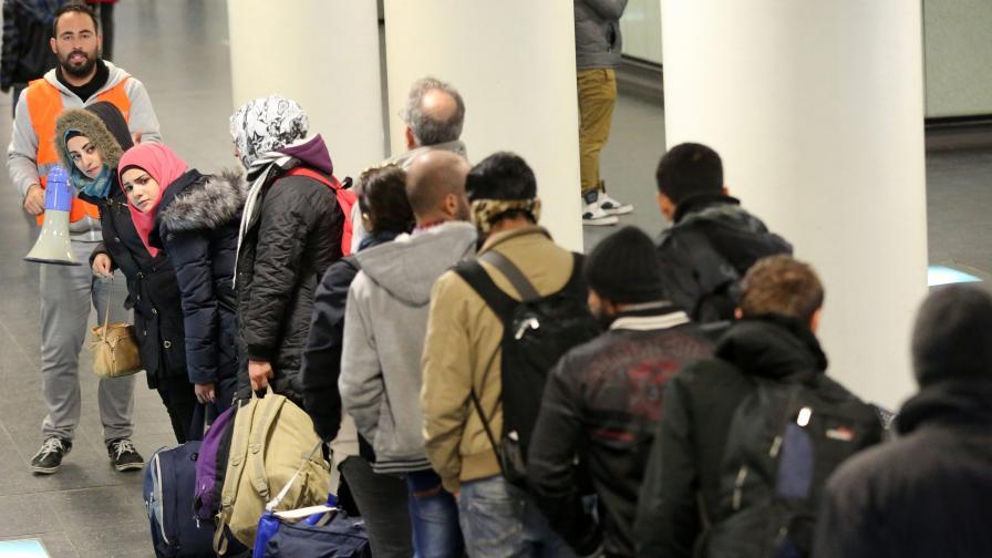 Фронтекс: Страните в ЕС бързо да връщат нелегалните