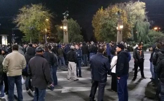 Трета поредна вечер хиляди на протест в страната (видео)