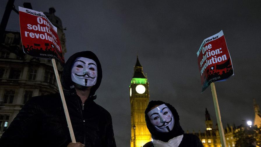 """""""Анонимните"""" обявиха война на банки по света"""