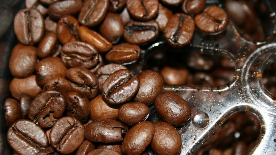 Защо пиенето на кафе на гладно е опасно
