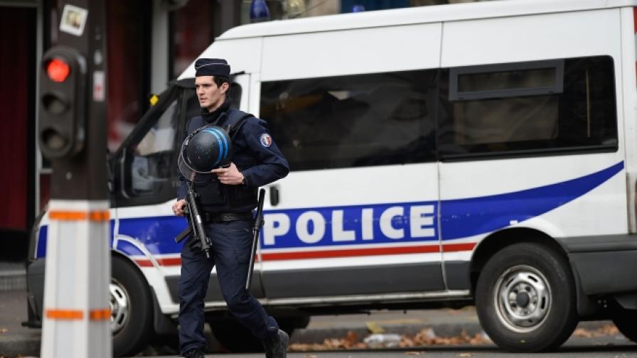 Задържаха трима белгийци замесени в атаките в Париж