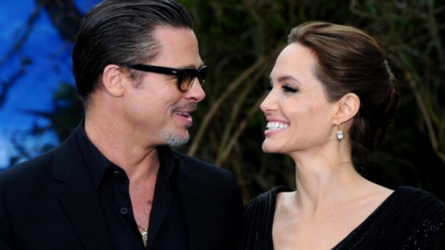 Анджелина Джоли е подала документи за развод