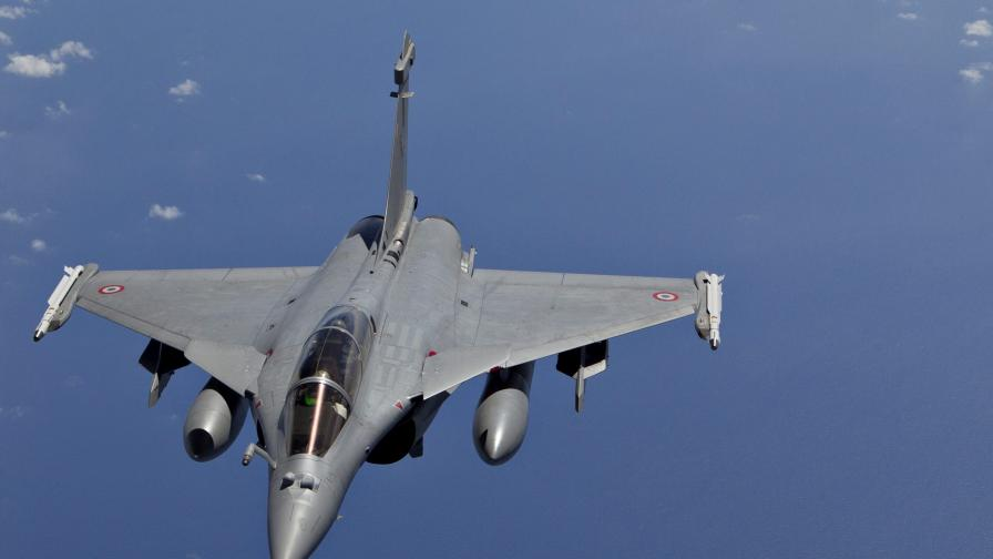 Франция извърши ново въздушно нападение срещу Ракка