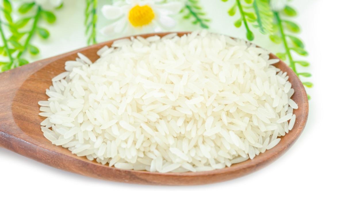 """По обяд можете да си позволите порция ориз без гузна съвест. Вечер той бързо ще """"се залепи' на бедрата ви."""