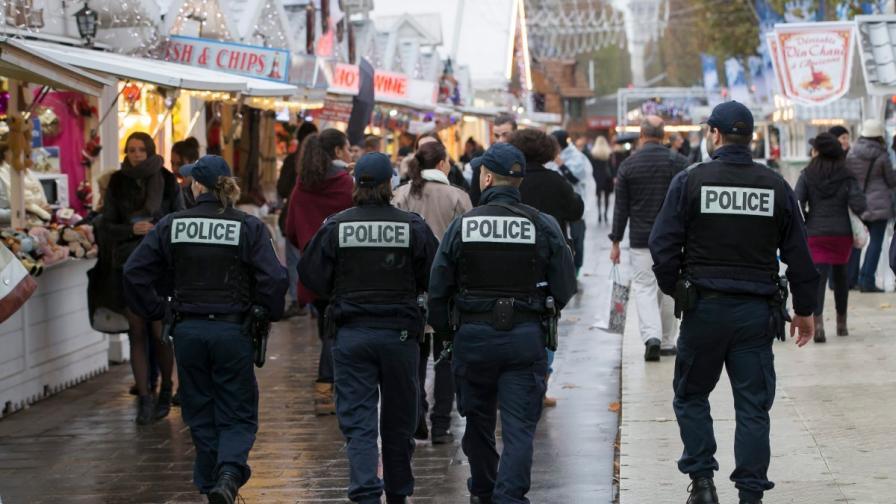 В Париж арестуваха четирима, готвели атентат