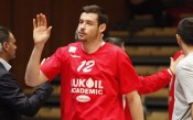 Националът Сашо Янев дебютира за Кожув
