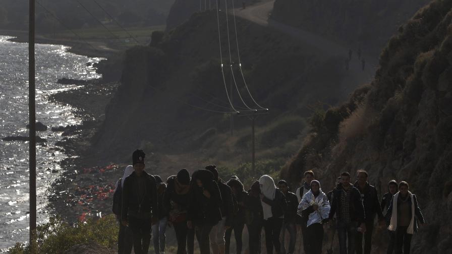 Фалшиви заплахи от талибани - път към убежище в Европа