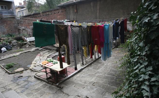 Броят на нелегалните мигранти в София намалял рязко