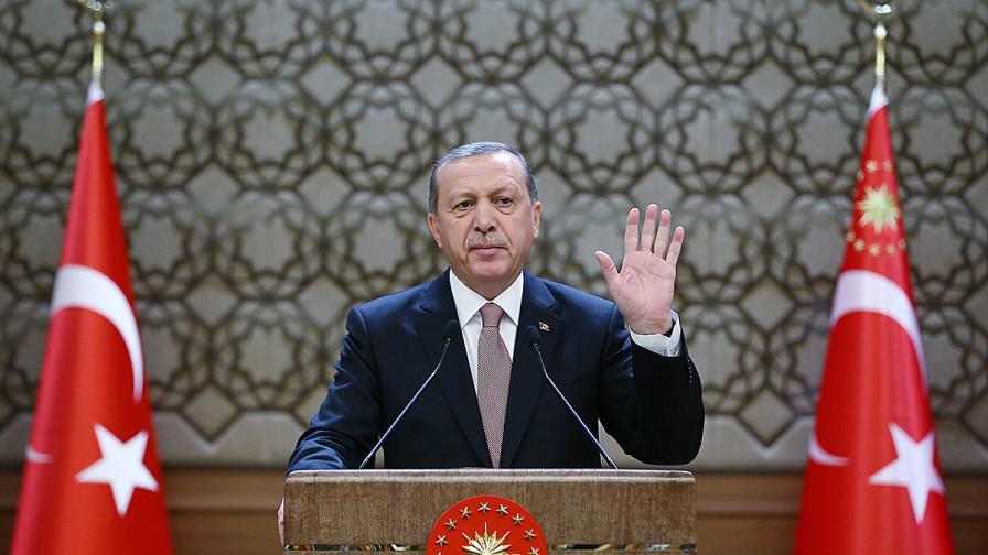 """Турция: Не купуваме петрол от """"Даеш"""""""