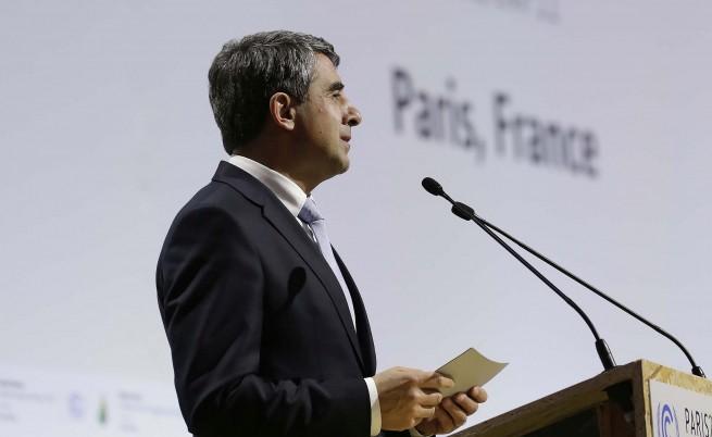 Плевнелиев хвали енергийната ефективност на България от Париж