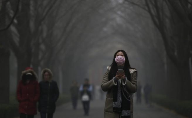 Черен хумор срещу рекордния токсичен смог в Пекин