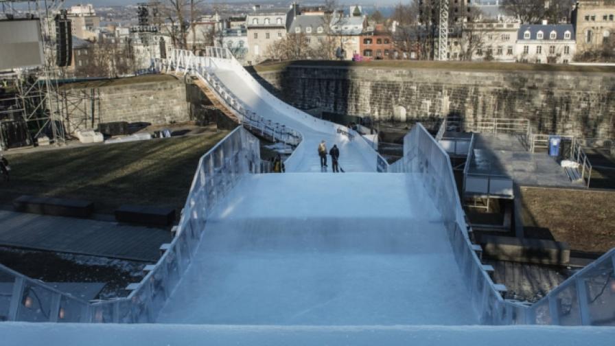 Най-страховитата ледена пързалка (видео)