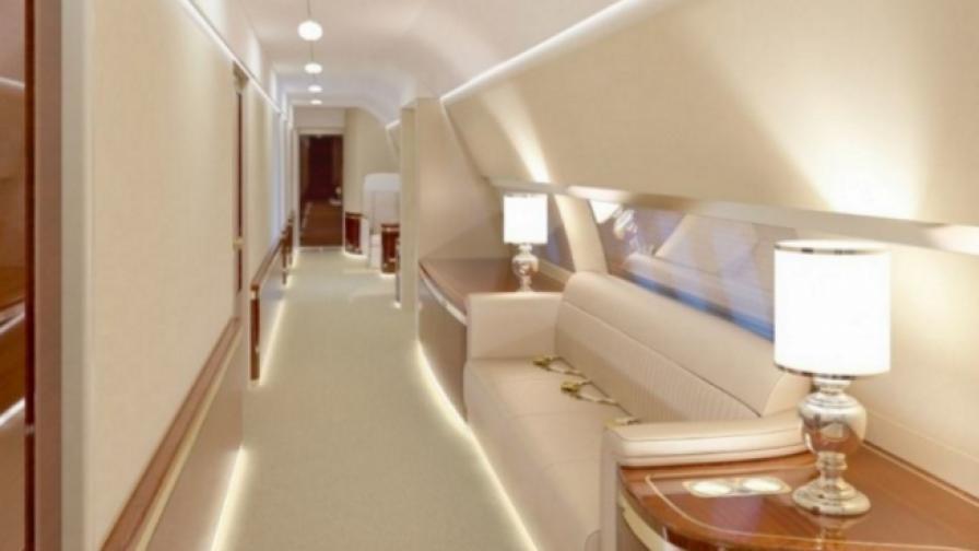 Самолетът на Владимир Путин с клиника и фитнес зала