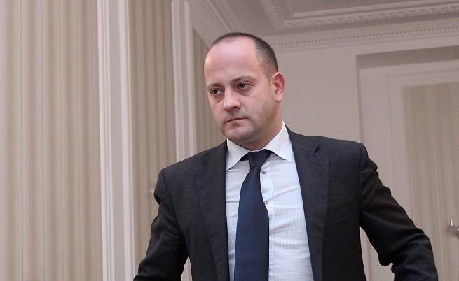 ДСБ минава в опозиция, Петър Москов остава в правителството