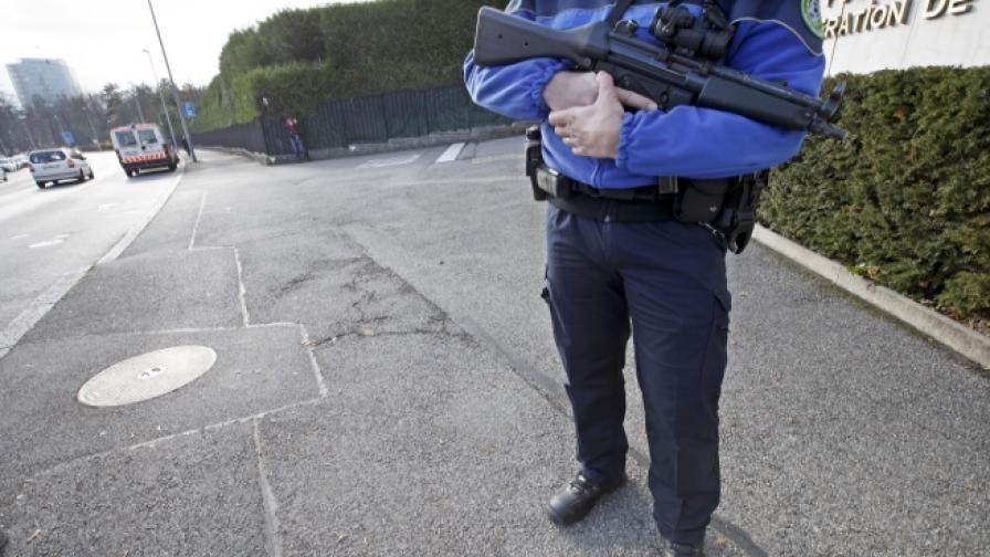 Повишена тревога в Женева, издирват заподозрени за тероризъм