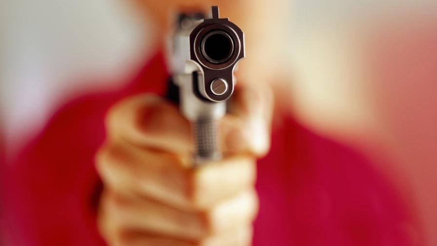 Жена и две деца бяха убити при стрелба в Самоков