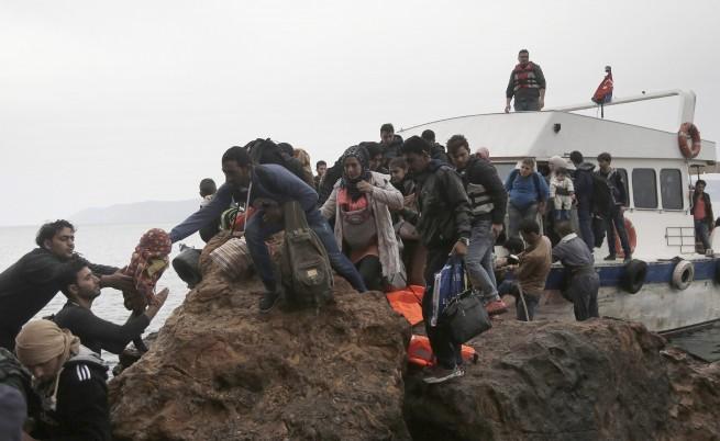 Дете на 2 годинки - първата жертва сред мигрантите за 2016 г.