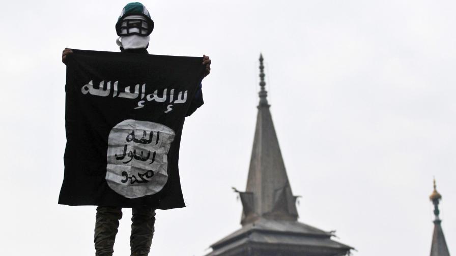 """Четиригодишен """"джихадист"""" в новия клип на """"Ислямска държава"""""""