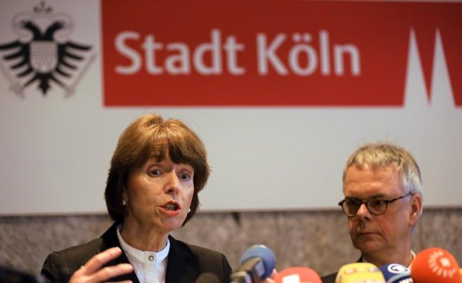 Нападателите над жени в Кьолн: Около 1000 имигранти на групички