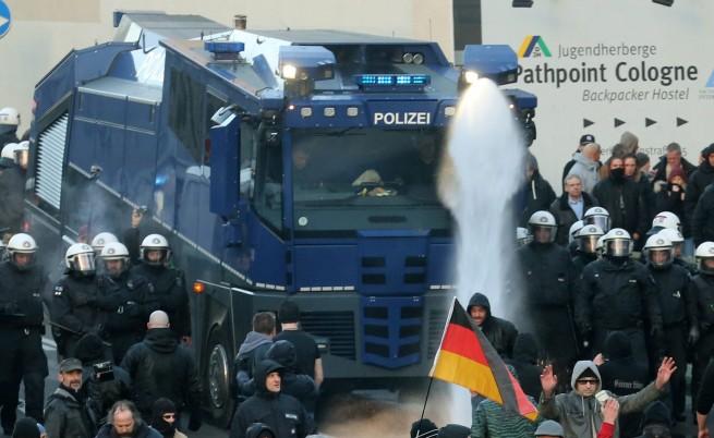 Жалбите за нападения в Кьолн вече са над 500