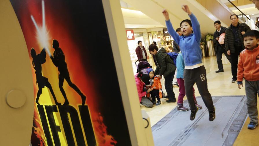 Китай ще ограничава броя на децата още 30 години