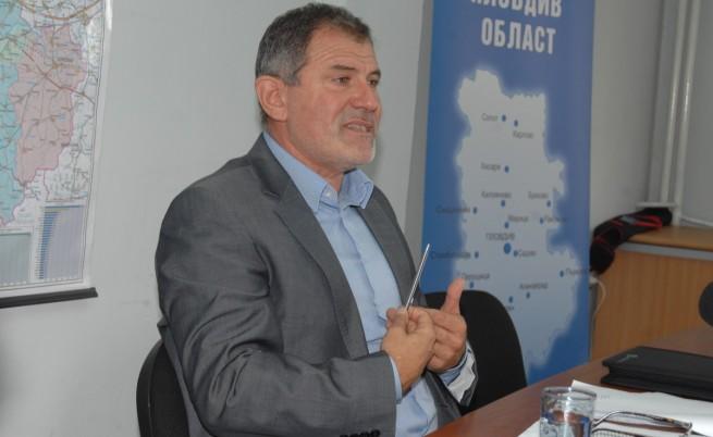 Депутат: Ердоган иска да е султан, Путин – император