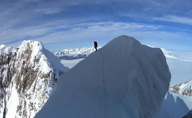 Български алпинисти покориха за първи път емблематичния връх Серо Торе