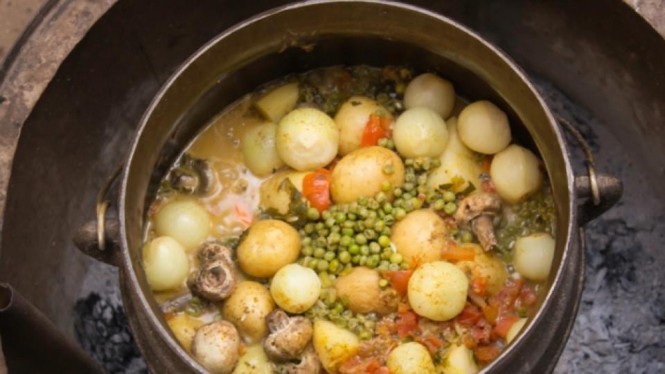 Постна гозба с грах и картофи