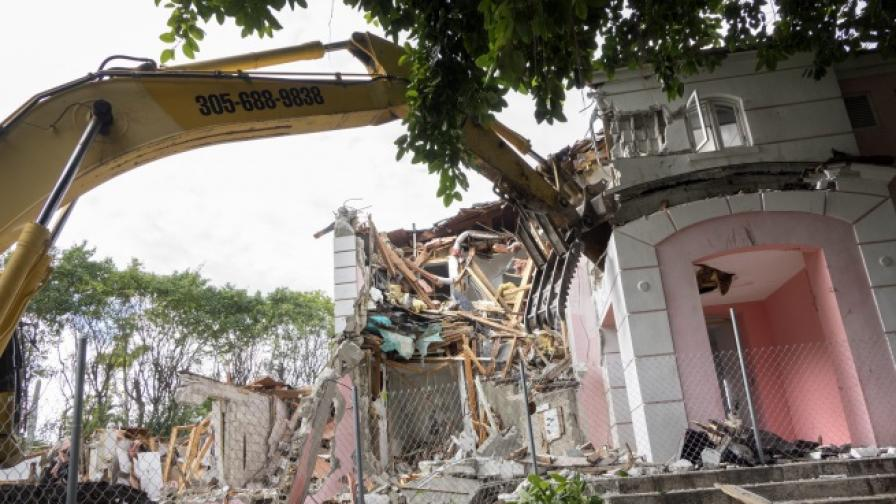 Разрушиха имението на наркобарона Пабло Ескобар