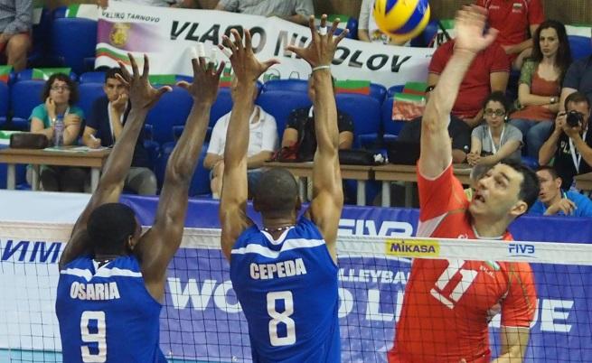 Владо Николов в действие с националния отбор